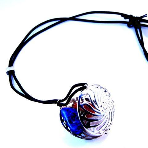 Ciondolo in argento con pietre per cristalloterapia