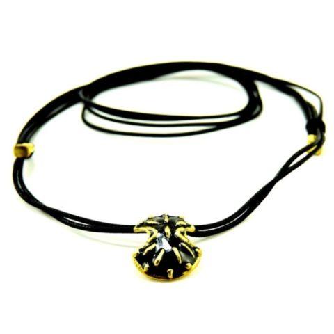 Collana in caucciù con scudo ateniese
