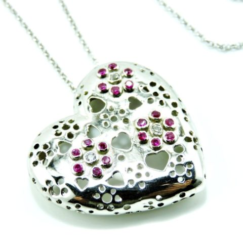 Ciondolo Cuore in argento con zirconi bianchi e colorati TRAFORATO