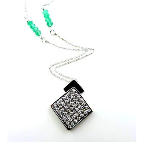 Ciondolo quadrato in argento con zirconi bianchi e smeraldini