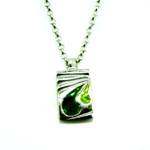 Ciondolo da uomo in argento, smalti in resina verdi