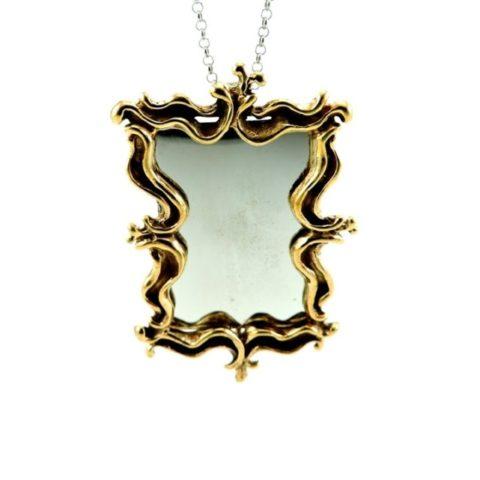 Collana con ciondolo a forma di specchio quadrato